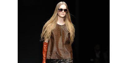 Clothing, Eyewear, Brown, Textile, Outerwear, Bag, Style, Denim, Street fashion, Sunglasses,