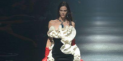 Human, Human leg, Dress, Style, Fashion model, Waist, Fashion show, Knee, Fashion, Youth,