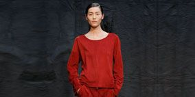 Sleeve, Human body, Shoulder, Standing, Photograph, Joint, Red, Style, Formal wear, Fashion,
