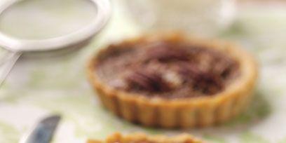 Food, Kitchen utensil, Ingredient, Kitchen knife, Dish, Knife, Cutlery, Baking, Dishware, Dessert,