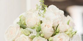 Petal, Bouquet, Flower, Cut flowers, Pink, Garden roses, Floristry, Flower Arranging, Rose family, Flowering plant,