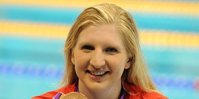 Blond, Award, Brown hair, Gold medal, Pleased, Public speaking, Long hair, Playing sports, Medal, Bronze medal,