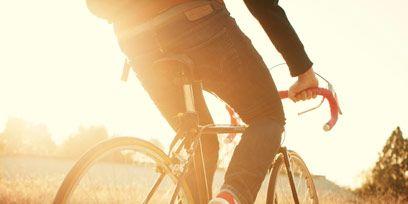 Bicycle tire, Tire, Wheel, Bicycle wheel rim, Bicycle frame, Bicycle wheel, Bicycle fork, Bicycle, Bicycle handlebar, Bicycle part,