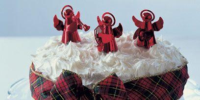Textile, Red, Pattern, Tartan, Cutlery, Dishware, Costume accessory, Plaid, Linens, Kitchen utensil,