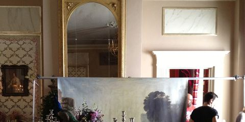Interior design, Room, Floor, Luggage and bags, Paint, Interior design, Picture frame, Molding, Back, Flower Arranging,