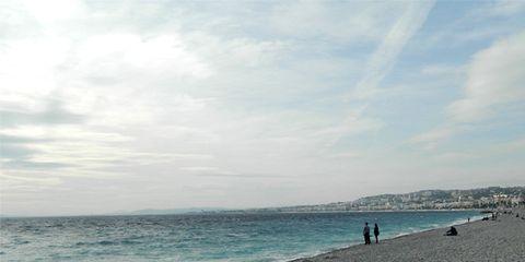 Body of water, Coastal and oceanic landforms, Cloud, Shore, Coast, Ocean, Horizon, Fluid, Aqua, Beach,