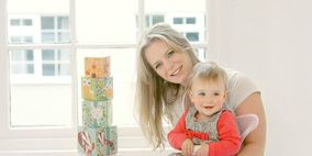 Nose, Human, Product, Comfort, Child, Sitting, Baby & toddler clothing, Orange, Knee, Blond,