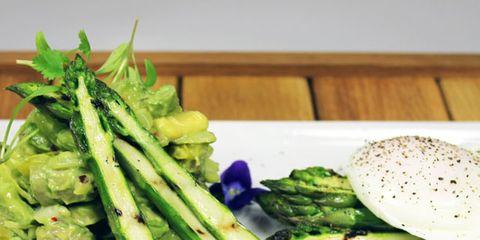 Food, Green, Ingredient, Produce, Dishware, Leaf vegetable, Vegetable, Cuisine, Fines herbes, Plate,