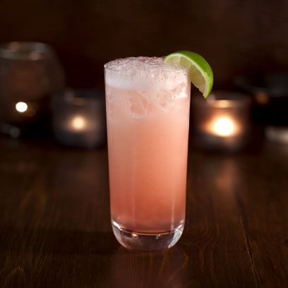 Drink, Non-alcoholic beverage, Alcoholic beverage, Paloma, Greyhound, Bay breeze, Cocktail, Rickey, Classic cocktail, Distilled beverage,