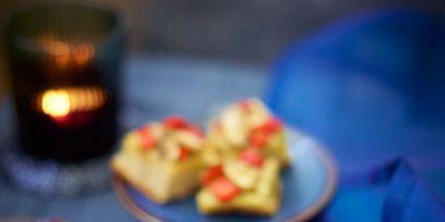 Finger food, Food, Cuisine, Ingredient, Dish, Serveware, Tableware, Dessert, Plate, Baked goods,