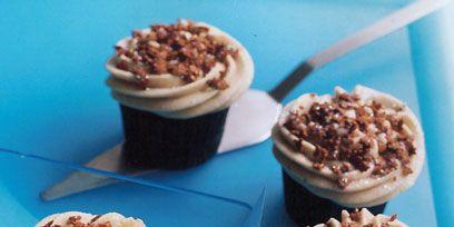 Food, Cuisine, Dessert, Sweetness, Baked goods, Ingredient, Tableware, Cupcake, Baking cup, Snack,