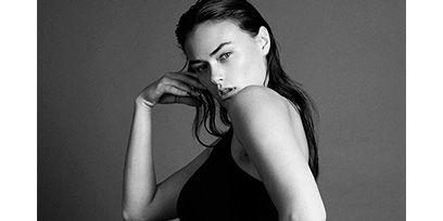 Human body, Shoulder, Joint, Elbow, Waist, Style, Undergarment, Chest, Organ, Abdomen,