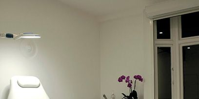 Room, Floor, Interior design, Wall, Furniture, Flooring, Ceiling, Interior design, Fixture, Grey,
