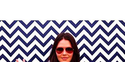 Eyewear, Glasses, Vision care, Sleeve, Shoulder, Shirt, T-shirt, Style, Pattern, Sunglasses,
