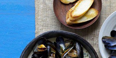 Food, Bivalve, Seafood, Ingredient, Dishware, Serveware, Shellfish, Plate, Molluscs, Cutlery,