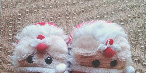Textile, Red, Pattern, Carmine, Puppet, Plush, Wool, Coquelicot, Plaid, Fur,