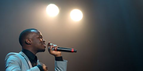 Audio equipment, Microphone, Music, Electronic device, Entertainment, Music artist, Technology, Performing arts, Artist, Singing,