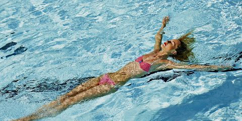 Elbow, Leisure, Endurance sports, Medley swimming, Swimmer, Summer, Swimming pool, Competition event, Outdoor recreation, Muscle,