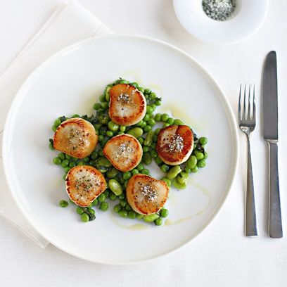 Gordon Ramsay's seared scallops with minted peas and beans