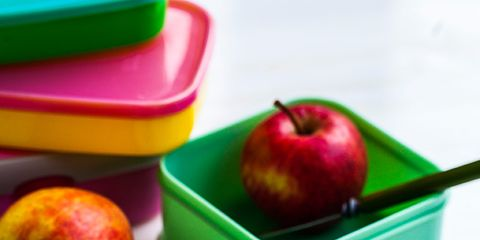 Serveware, Food, Green, Dishware, Fruit, Natural foods, Dish, Plate, Ingredient, Finger food,