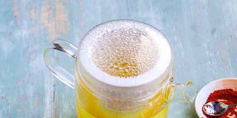 Serveware, Yellow, Liquid, Ingredient, Drink, Tableware, Food, Drinkware, Citrus, Fruit,