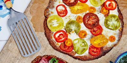 Dish, Food, Cuisine, Pizza, Ingredient, Flatbread, Tarte flambée, California-style pizza, Produce, Italian food,