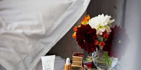 Liquid, Petal, Bouquet, Cut flowers, Peach, Bottle, Serveware, Flower Arranging, Dishware, Artificial flower,