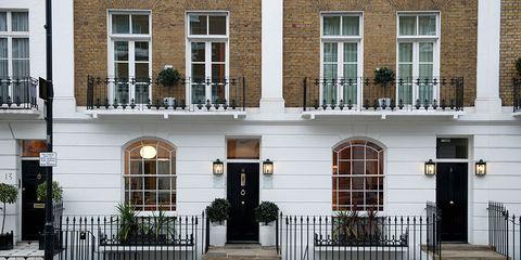 Facade, Property, Door, Real estate, Building, House, Fixture, Home door, Residential area, Iron,
