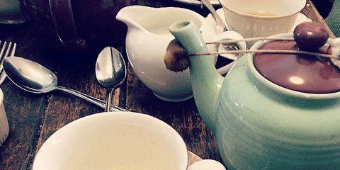 Serveware, Green, Dishware, Porcelain, Tableware, Drinkware, Ceramic, Cup, Teapot, earthenware,