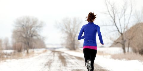 Clothing, Winter, Human body, Running, Jogging, People in nature, Active pants, Knee, Snow, Freezing,