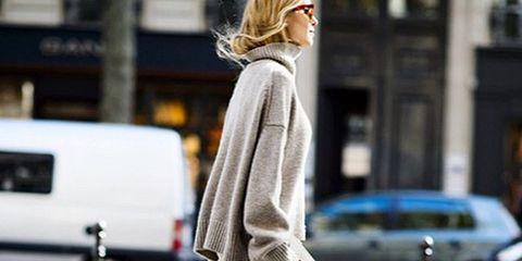 Human leg, Shoulder, Joint, Street, Style, Street fashion, Bag, Fashion, Knee, Van,