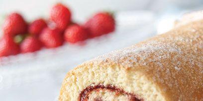 Food, Cuisine, Ingredient, Dessert, Baked goods, Roulade, Finger food, Swiss roll, Sweetness, Pionono,