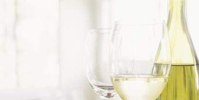 Drinkware, Glass, Stemware, Barware, Serveware, Wine glass, Dishware, Tableware, Champagne stemware, Transparent material,