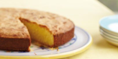 Food, Cuisine, Serveware, Dishware, Baked goods, Dessert, Finger food, Plate, Sweetness, Tableware,