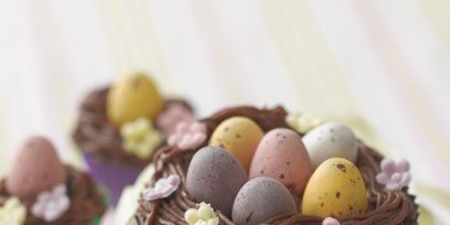 Ingredient, Food, Sweetness, Basket, Dessert, Wicker, Egg, Chocolate, Storage basket, Baking cup,