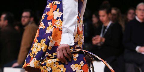 Clothing, Leg, Human leg, Street fashion, Bag, Knee, Fashion, Thigh, Sandal, Pattern,