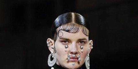 Ear, Hairstyle, Eyelash, Style, Black hair, Fashion, Neck, Eye shadow, Hair accessory, Earrings,