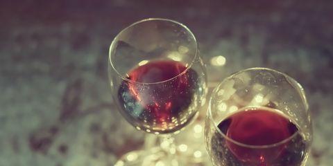 Fluid, Drinkware, Stemware, Glass, Liquid, Drink, Alcoholic beverage, Barware, Tableware, Red,