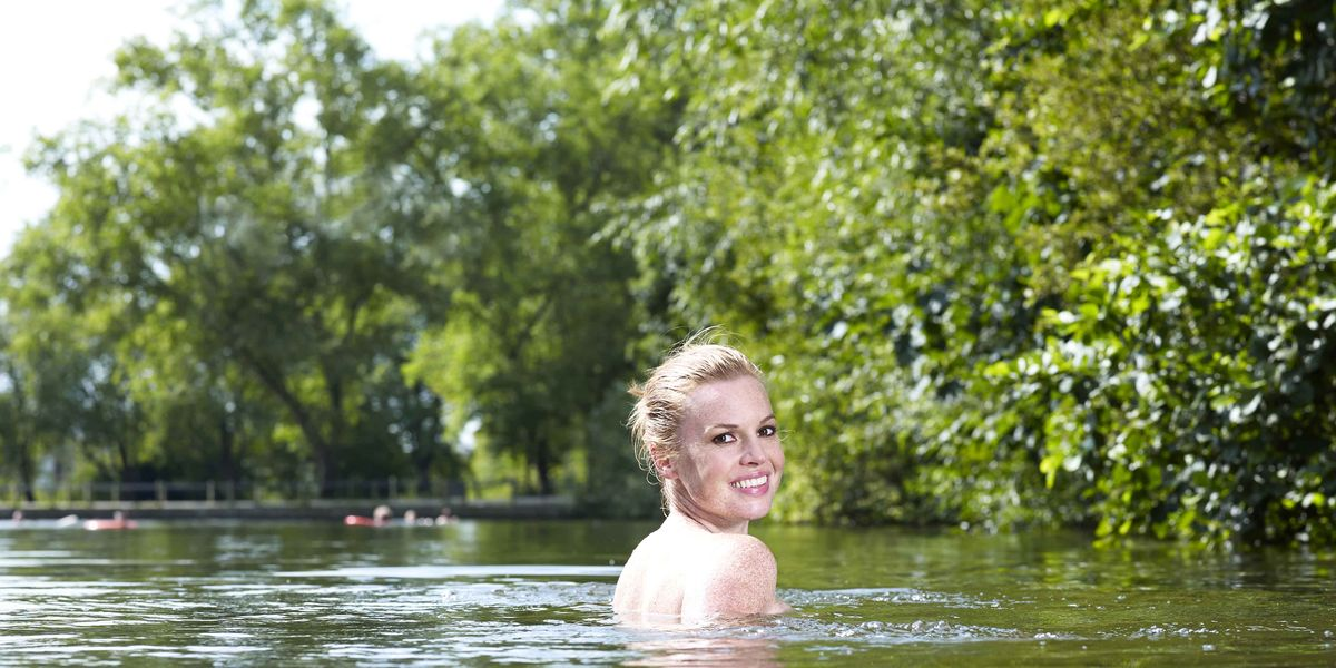 Esther Walker Goes Naked Swimming  Skinny Dipping-2336