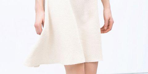 Leg, Human leg, Toe, Joint, White, Pink, Foot, Fashion, Knee, Beige,