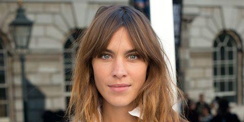 Lip, Hairstyle, Window, Sleeve, Chin, Collar, Jewellery, Style, Street fashion, Beauty,