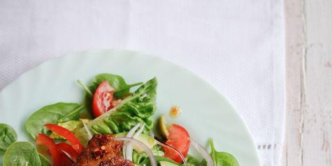 Food, Ingredient, Dishware, Produce, Leaf vegetable, Plate, Cuisine, Vegetable, Recipe, Garnish,