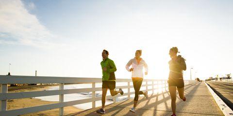 Standing, People in nature, Jogging, Sunlight, Running, Horizon, Walkway, Morning, Shadow, Active shorts,