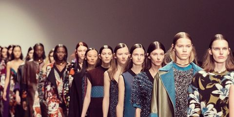 Fashion show, Dress, Style, Fashion model, Fashion, Runway, One-piece garment, Street fashion, Pattern, Waist,