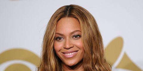 Hairstyle, Eye, Eyebrow, Eyelash, Long hair, Blond, Brown hair, Layered hair, Hair coloring, Makeover,