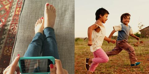 Leg, Finger, Hand, Toe, People in nature, Nail, Mobile phone, Display device, Communication Device, Gadget,