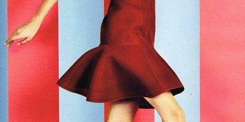 Human leg, Red, Joint, Style, Dress, One-piece garment, Pattern, Knee, Fashion, High heels,