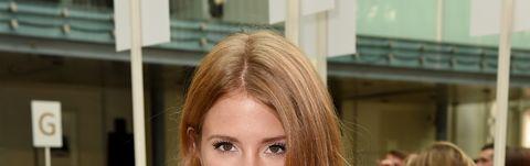 Hair, Hairstyle, Shoulder, Style, Eyelash, Beauty, Fashion, Blond, Dress, Brown hair,