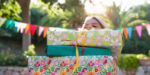 Textile, Pattern, Bag, Street fashion, Magenta, Luggage and bags, Spring, Garden, Pattern, Polka dot,