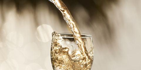 Drinkware, Glass, Stemware, Barware, Fluid, Tableware, Champagne stemware, Alcoholic beverage, Serveware, Photography,